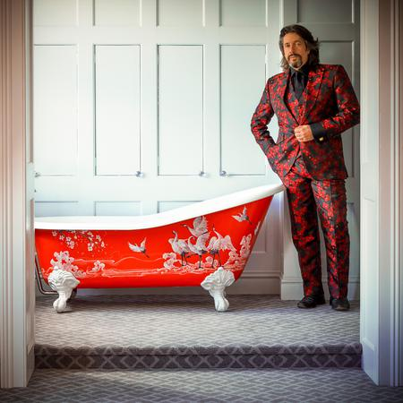 Talking about carpet (and gin) with the fabulous Laurence Llewelyn-Bowen